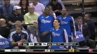 Vince Carter nice two-hand slam on the Spurs (2014 NBA Playoffs GM 2)