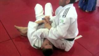 Juji Gatame Armlock transition to Sankaku Jime