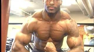 Collegiate bodybuilding champ Yumon Eaton