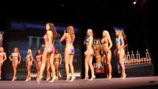 IDFA Nov 2 2013 Novice Fitness Model Quarter Turns And Comparisons