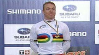 Chris Hoy wins 4th Keirin Championship - from Universal Sports