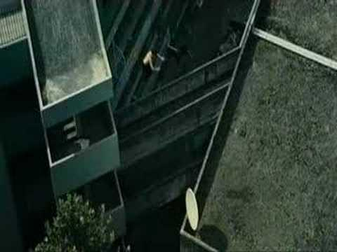 Parkour - Parkour Banlieue 13 - Building and Car Chase Scene