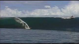 Riding Giants - Laird Hamilton Surfing Teahupoo