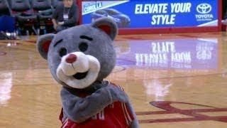 Clutch the Bear's AMAZING Trick Shots