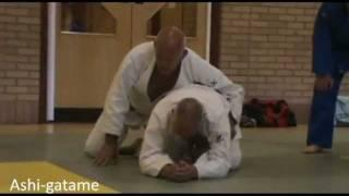Judo - Submission techniques demonstrated by Peter Blewett (7th Dan)_1