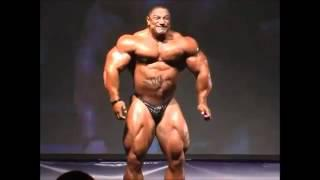 Roelly Winklaar Huge Muscles Man  Guest Posing
