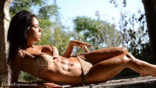 Abs Flexing by Reka Rajnai Fitness Model on Outdoor Photoshooting