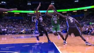 Jeff Green monster dunk over Maxiell (2013.11.08)